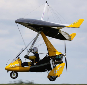 Flexwing microlight in the air
